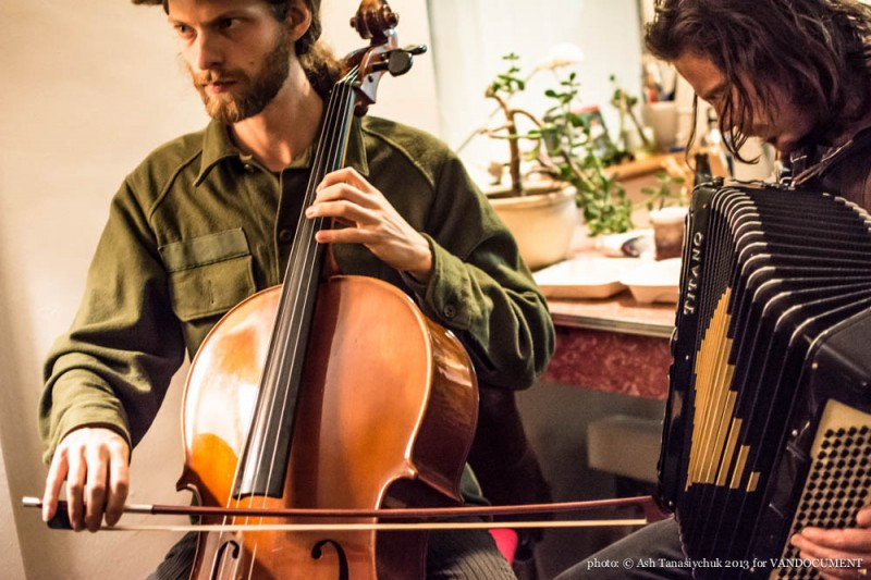Jack Garton and Martin Reisle performing with 'Music and Movement Mondays' at the VANDOCUMENT Six Month House Concert, Vancouver BC, 2013. Photo by Ash Tanasiychuk
